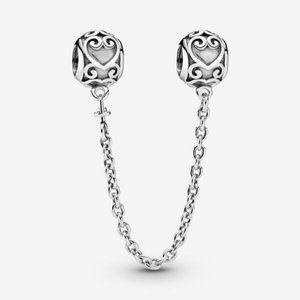🌸Pandora Ornate Hearts Safety Chain Charm